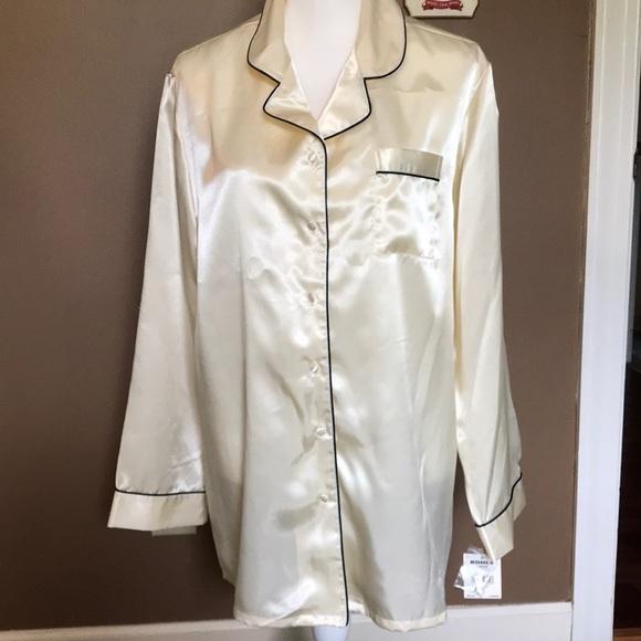 NWT Croft /& Barrow Pajama Long Sleeve Black Top /& Black// Silver Stripe Pants 2X